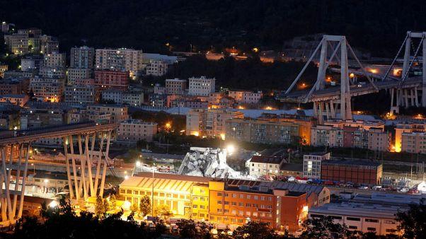 شرطة إيطاليا: ارتفاع عدد قتلى انهيار الجسر في جنوة إلى 35 قتيلا