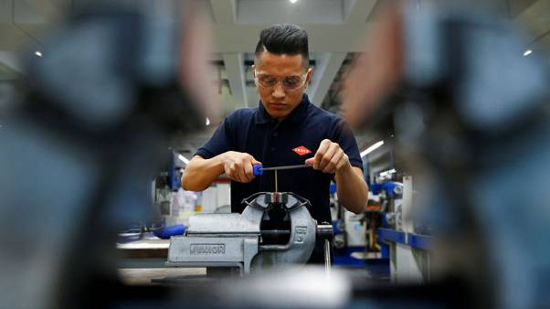 Afghans, Syrians help German companies to fill training vacancies