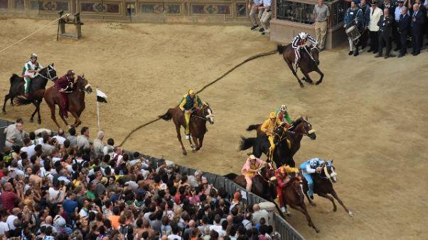 Palio Siena:Nicchio vince prova generale