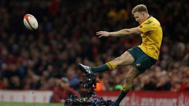 Hodge gets nod at centre for Wallabies