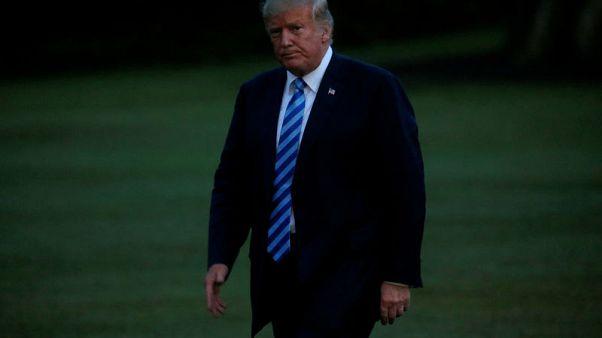افتتاحيات مئات الصحف الأمريكية تنتقد ترامب لهجومه على وسائل الإعلام