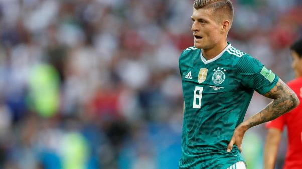 Soccer - Ozil resignation not in order, says Germany's Kroos