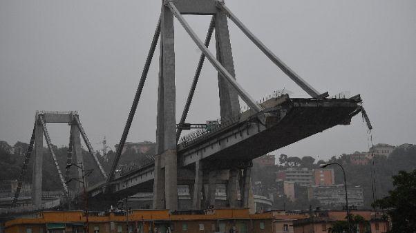 Crollo ponte: lutto per funzionaria