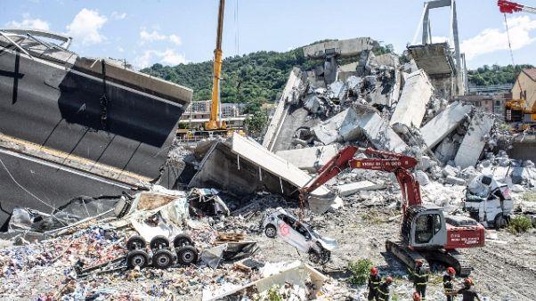Crollo ponte, modifica bilancio,38 morti