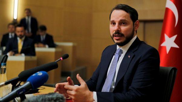 وزير المالية: تركيا ستساند بنوكها العامة إذا اقتضت الضرورة