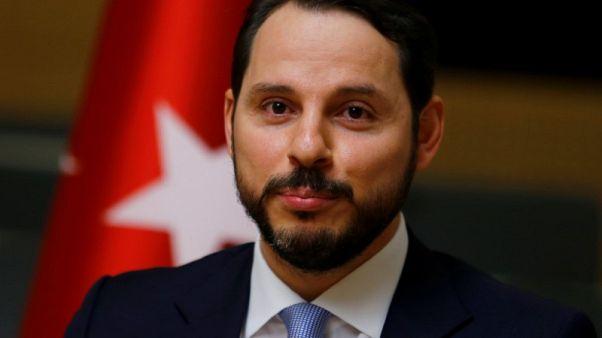 وزير مالية تركيا: سنتجاوز عقوبات أمريكا مع شركاء آخرين