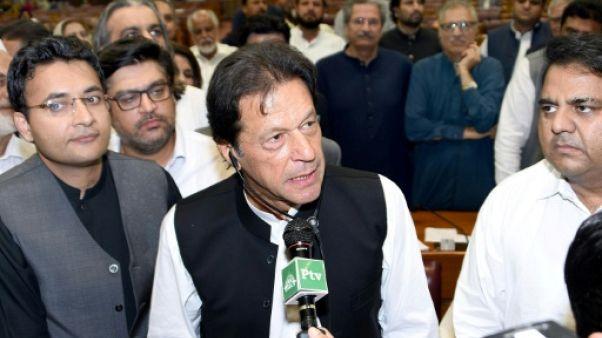 L'ex-champion de cricket Imran Khan prend les rênes du Pakistan