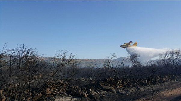 Incendio in Gallura, evacuate 30 case