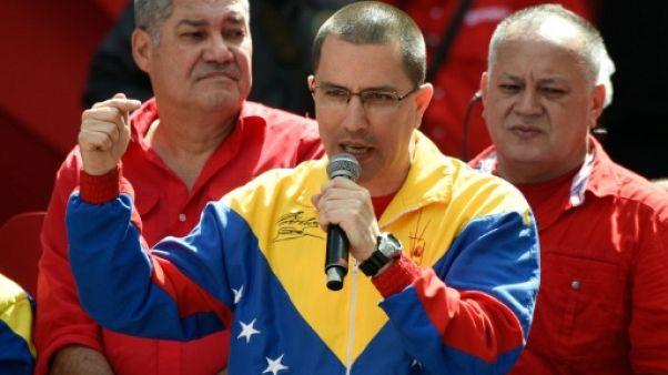 """Le Venezuela rejette les critiques des Etats-Unis concernant l'enquête sur """"l'attentat"""" contre Maduro"""