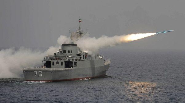 البحرية الإيرانية تعلن تزويد سفينة حربية بمنظومة دفاعية جديدة