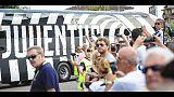 Bus Juve a Bentegodi tra gli applausi