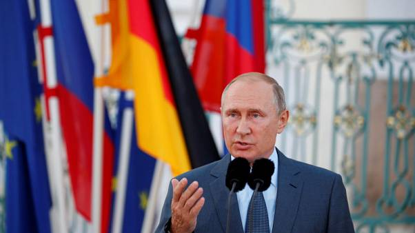 Putin says everything must be done for refugees to return to Syria