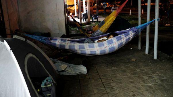 Brazilian border town residents drive out Venezuelan immigrants