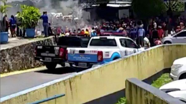 سكان بلدة برازيلية يطردون المهاجرين الفنزويليين