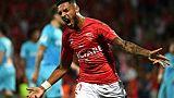 Ligue 1: Marseille corrigé à Nîmes, Bordeaux chute sans Poyet