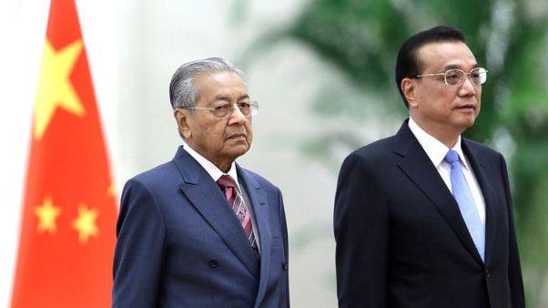 رئيس وزراء الصين يقول إنه مستعد لتعزيز العلاقات الثنائية مع ماليزيا