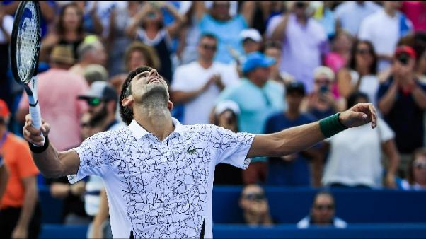 Atp: Djokovic scala ranking, è sesto