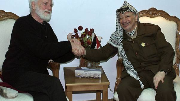 Uri Avnery, first Israeli to meet Arafat, dies at 94