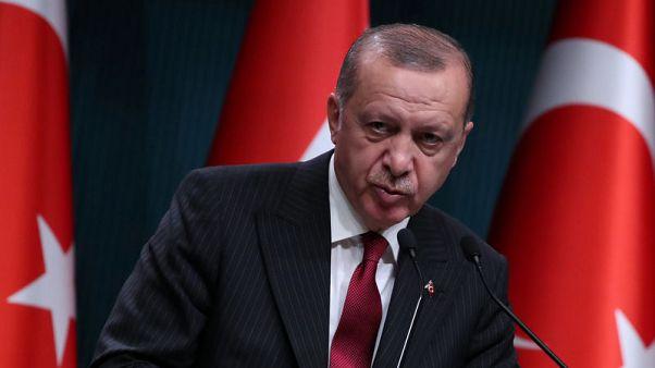 Erdogan invokes patriotism, Islam as lira remains under pressure