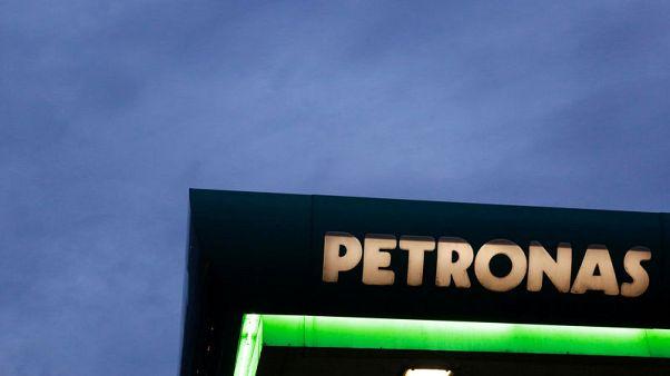 مقابلة-مسؤول في بتروناس: أرامكو قد تعزز استثمارها في مجمع بتروكيماويات بماليزيا