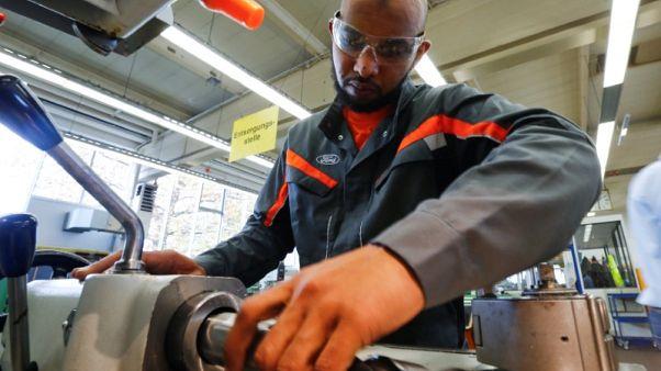 مزيد من اللاجئين يعثرون على وظائف في ألمانيا
