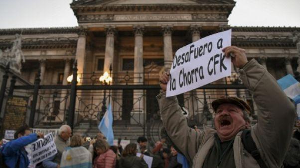Mobilisation pour la levée de l'immunité de l'ex-présidente Kirchner