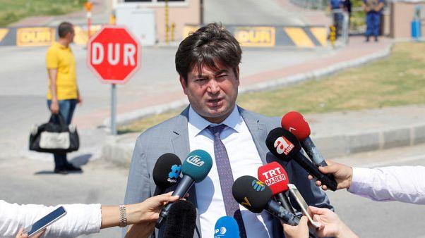 محامي القس الأمريكي المحتجز بتركيا سيقدم التماسا للمحكمة الدستورية