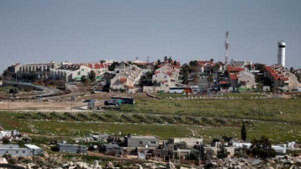 Israël autorise plus de 1.000 logements de colons en Cisjordanie, selon une ONG