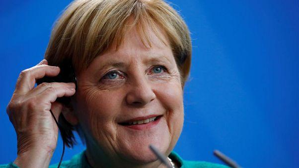 ميركل غير متحمسة لنظام مدفوعات أوروبي مستقل لإنقاذ اتفاق إيران