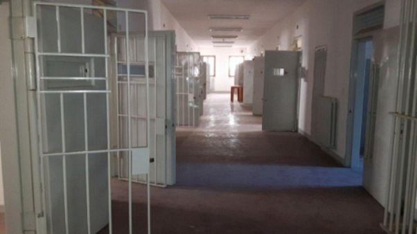 Minore incendia cella carcere Catanzaro