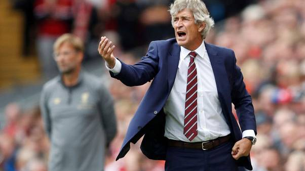 Pellegrini urges West Ham fans to stick with players ahead of Arsenal clash
