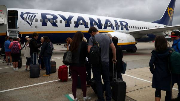 Ryanair to end free 10 kg bag in luggage overhaul