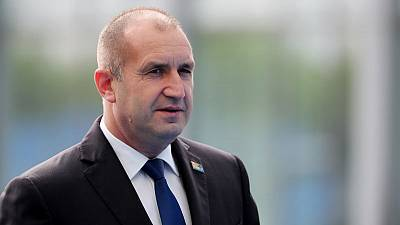 Bulgarian president criticises defence officials over U.S. visit