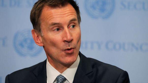وزير الخارجية البريطاني يرحب بالإفراج المؤقت عن موظفة إغاثة في إيران