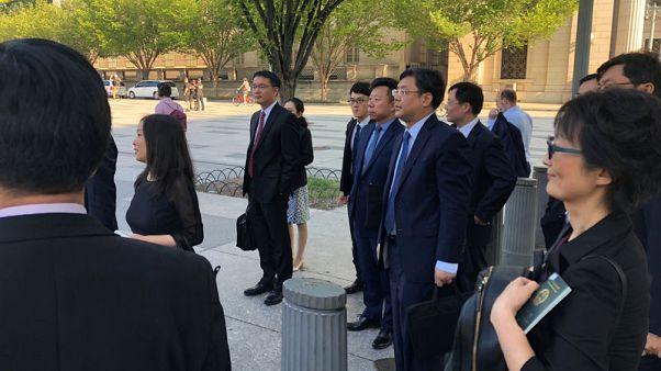 وزارة التجارة الصينية تقول مباحثات بناءة بشأن التجارة جرت مع واشنطن