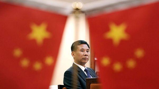 حصري-وزير: الصين ستواصل الرد على أمريكا بشأن التجارة وستعزز الإنفاق الحكومي