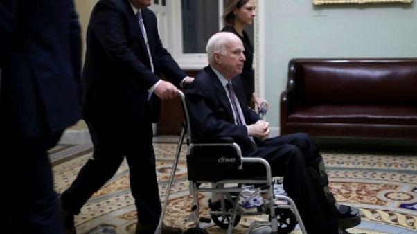 Le sénateur américain John McCain le 30 novembre 2017 à Washington DC