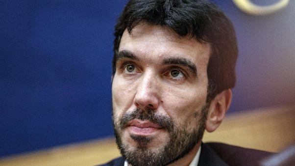 Migranti: Martina, Conte in Parlamento