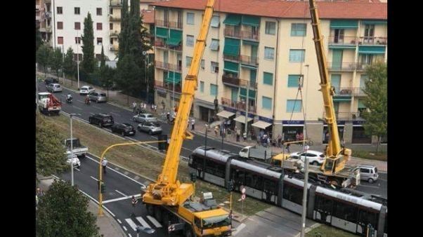 Scontro auto-tramvia: ripreso servizio