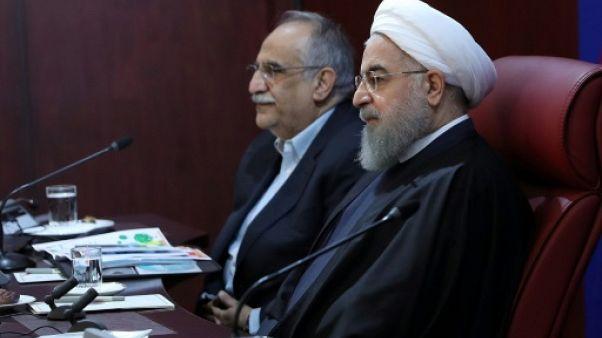 Iran: le Parlement vote le limogeage du ministre de l'Economie