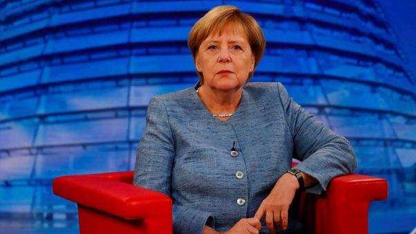 ميركل ترفض اقتراحا أوروبيا بتحديد أهداف أكثر صرامة لخفض انبعاث الغازات الضارة