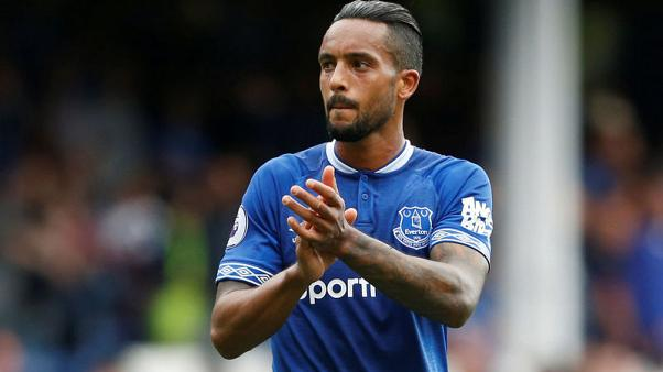 Silva's intense training is helping Everton, says Walcott