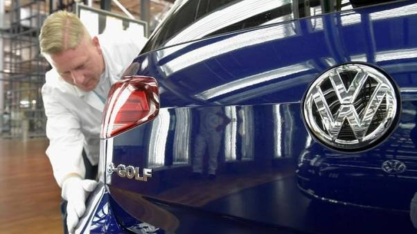U.S. monitor seeks more transparency from VW over emissions
