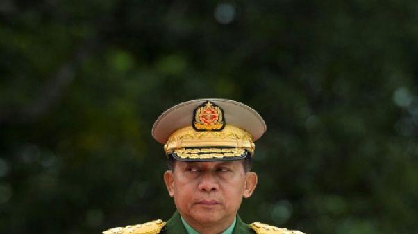 Le chef de l'armée birmanie Min Aung Hlaing à Rangoun le 19 juillet 2018