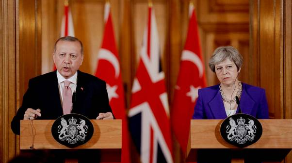 Erdogan, May discuss economic, trade ties and investments - CNN Turk