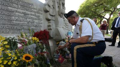 Vietnam: hommages à l'ex-prisonnier de guerre John McCain