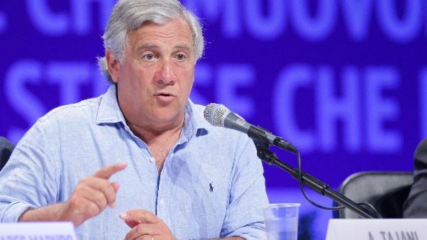 Tajani, no a processi a linea politica