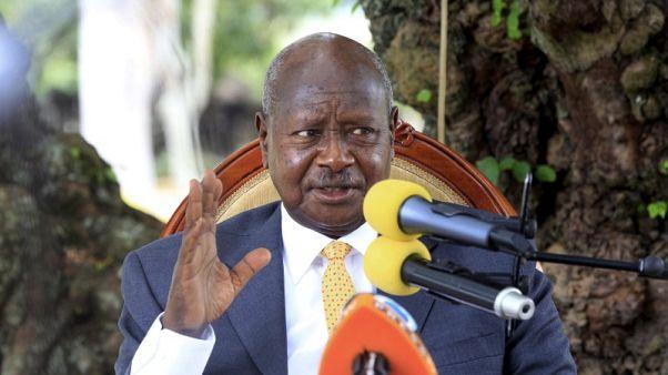 محكمة أوغندية تفرج بكفالة عن نواب بالبرلمان متهمين بالخيانة