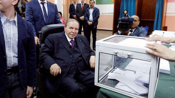 الرئاسة: بوتفليقة في جنيف لإجراء فحوص طبية