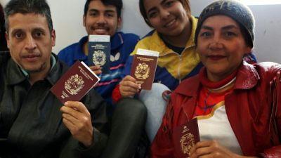 Une centaine de Vénézuéliens rentrent du Pérou dans un avion envoyé par Maduro